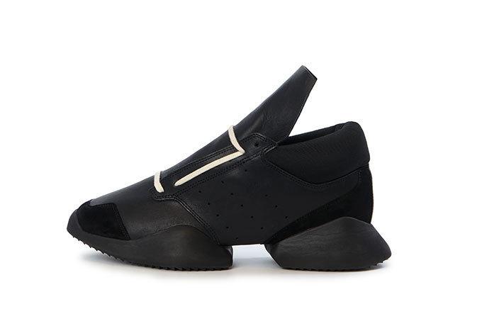 adidasとリック・オウエンスのコラボ商品 ランナーM ブラック