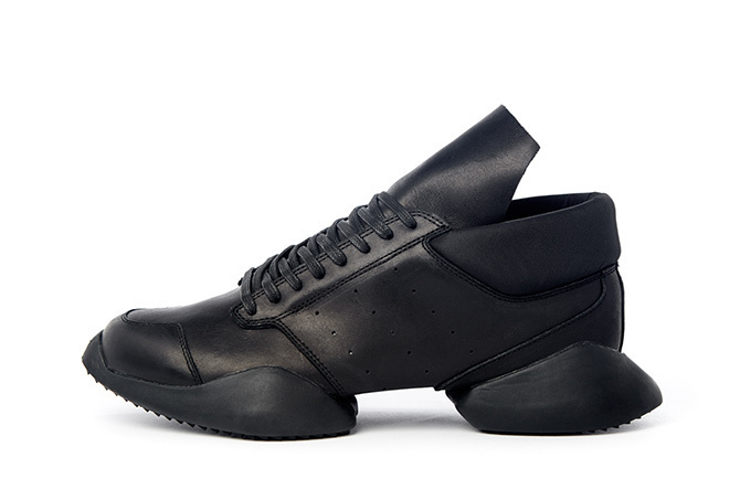 adidasとリック・オウエンスのコラボ商品 ランナーのNewバージョン