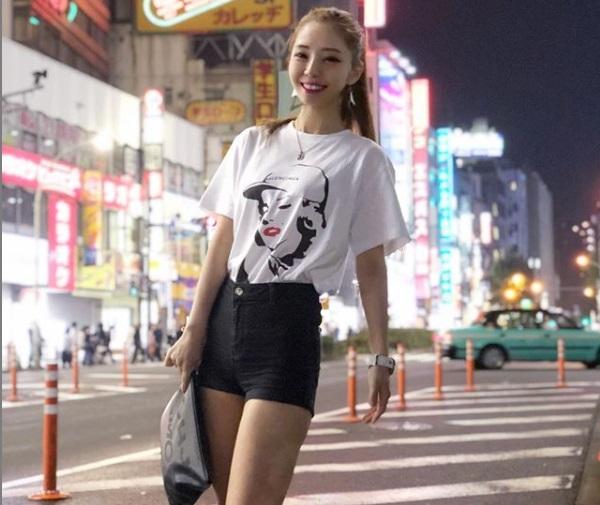 Yukiの衣装姿